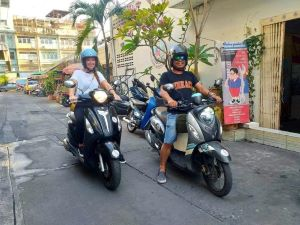 automatic motorbike driving lesson