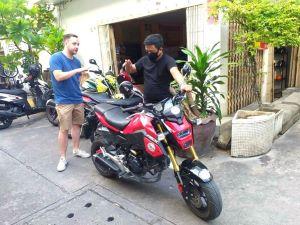 manual motorbike driving lesson